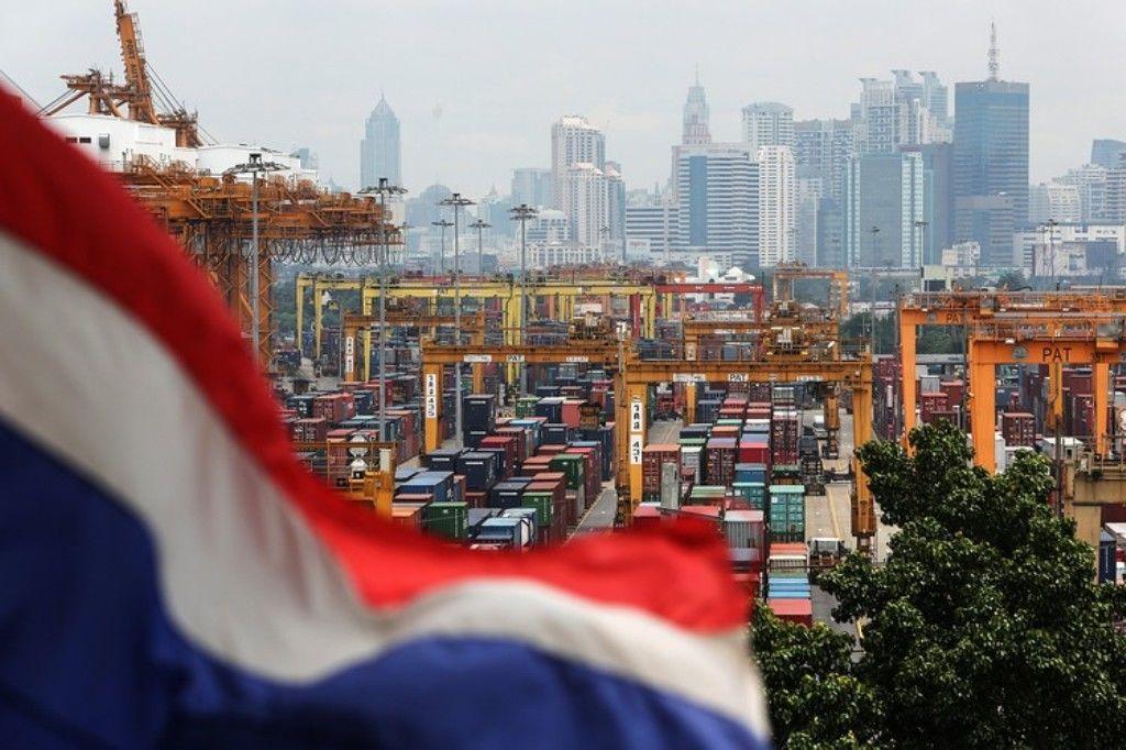 Bank of Thailand sends a 'warning shot', but little impact
